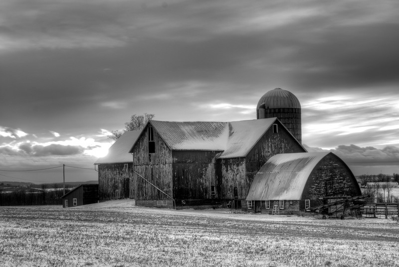 December 17 - Stopped in Paris (New York) to photograph this barn on the way home from the train station