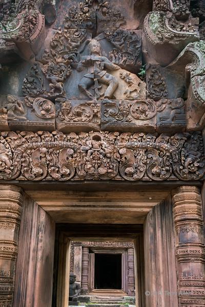 Eastern entrance to Banteay Srei