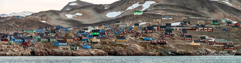 Ittoqqortoormiit houses
