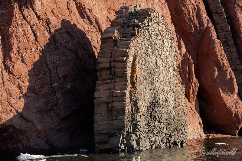 Basaltic dykes