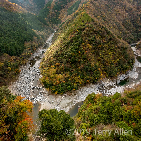 Fall in the Iya Valley