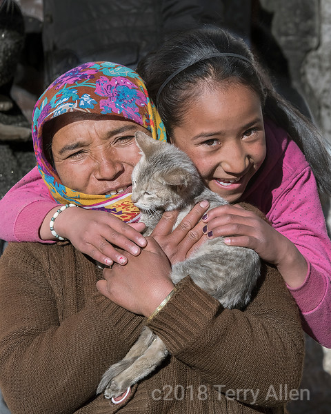 Ladakh women with kitten