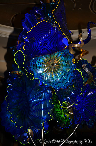 """C"" is for CHIHULY'S CENTERPIECE CLUSTERS"