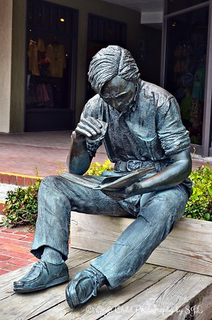 """""""OUT TO LUNCH"""" (1975) by J. Seward Johnson, Jr."""