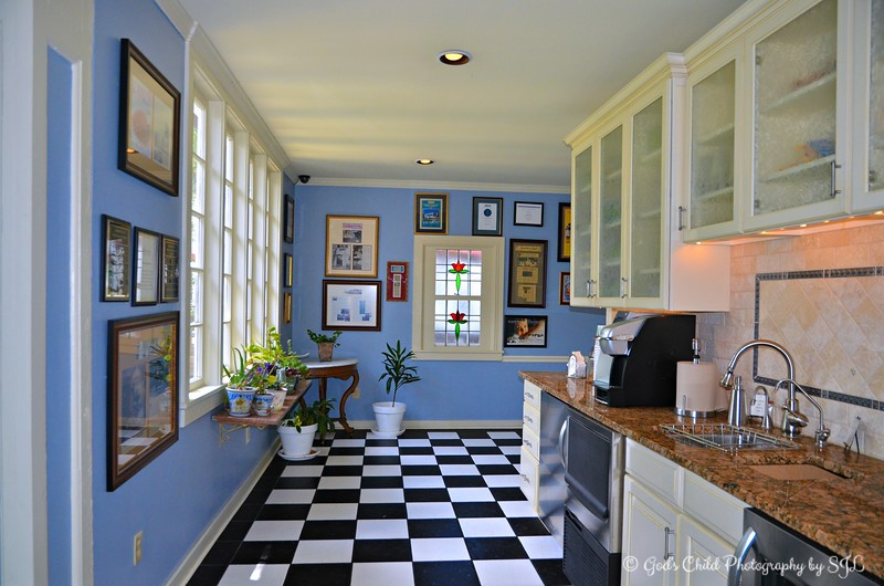"""""""GUEST PANTRY LOUNGE"""""""