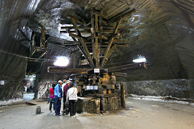 This extraction machine, powered by horses, was used to vertically raise blocks of salt from the Salina Turda mine