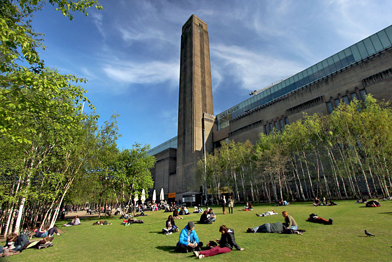 The Tate Modern Museum, on the south bank of the Thames River