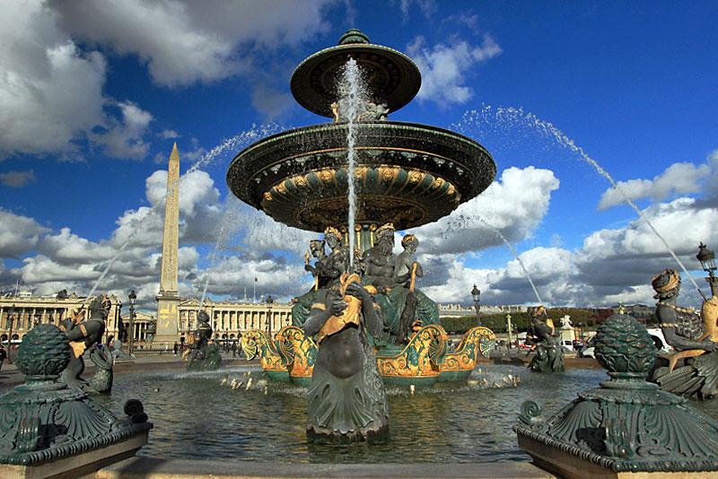 Fountain and Obelisk, Plaza de la Concorde, Paris, France