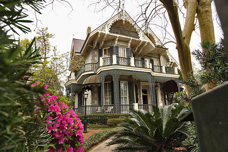 Attractive This Exquisite Mansion In The Garden District Of New Orleans Is Owned By  Actress Sandra Bullock