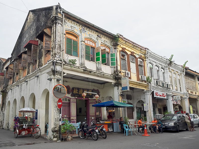 """Chinese Shophouse Row in George Town, on the island of Penang, Malaysia, built in the """"Early Straits"""" eclectic style, between 1890 and 1910"""