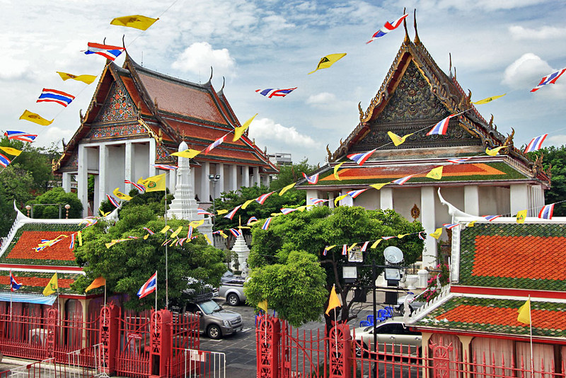 Ordination and assembly halls at Wat Prayoon, Bangkok