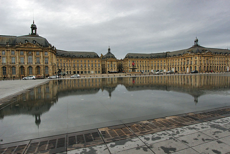 Place de la Bourse reflects in Water Mirror in Bordeaux, France