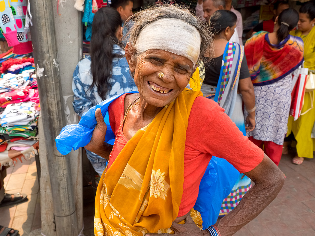 Portrait of woman at Lajpat Nagar Central Market in Delhi, India
