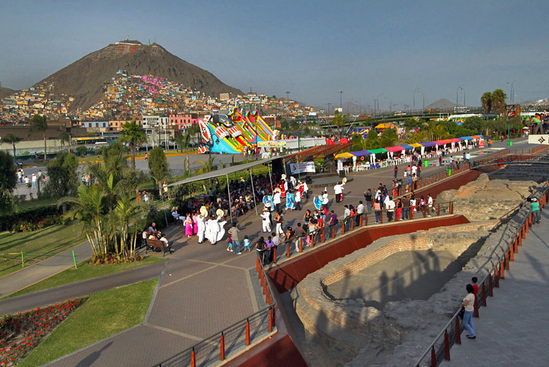Incan ruins and traditional dance performances at Parque de la Muralla in Lima