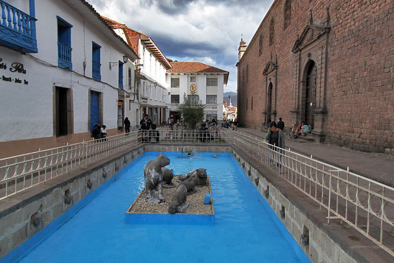 Fountain in the historic center of Cusco, Peru