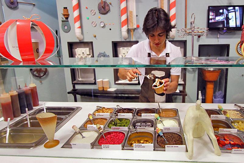 The best ice cream store in Girona, Spain: Rocambole Gelateria