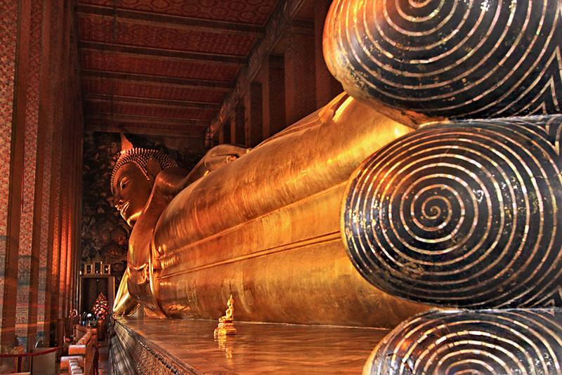 Reclining Buddha at Wat Pho Bangkok & PHOTO: Reclining Buddha at Wat Pho Bangkok Thailand islam-shia.org