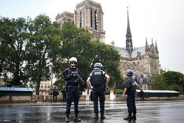 APTOPIX France Notre Dame