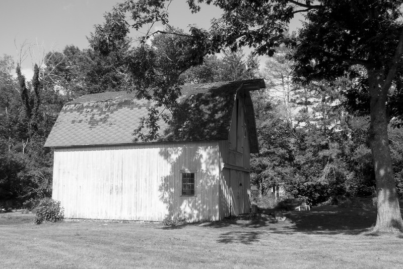 2016-07-23: Another of the neat barns next door.