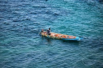 Pirogue en mer