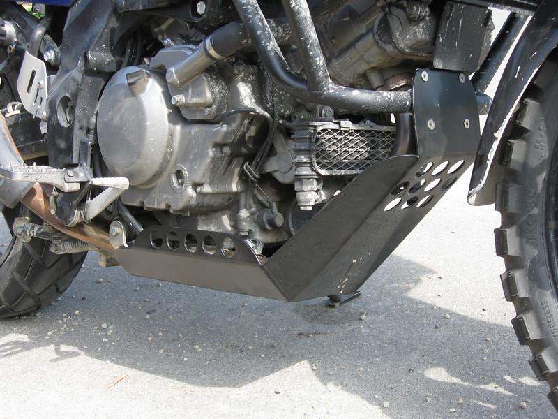Satin black powdercoated skidplate on Carls 650 V-Strom.
