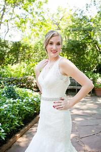 Katie's bridal portraits at the Dallas Arboretum. Dallas bridal portrait and photography. Bliss bridal wedding dress. The Milestone wedding. Dallas and Fort Worth wedding photographer Monica Salazar Photography. http://www.monica-salazar.com