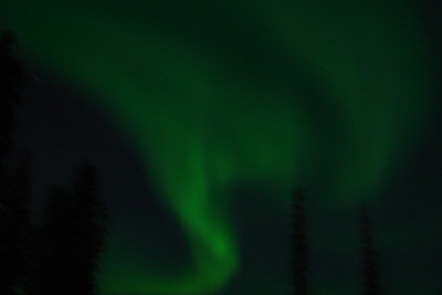 9/2/07 - Another shot, with a shorter exposure to capture the shape of the aurora.