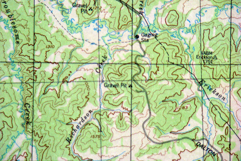 A portion of a topographical map covering this section of the Dalton Hwy.