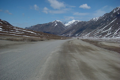 MP250 looking north, down the Atigun valley.