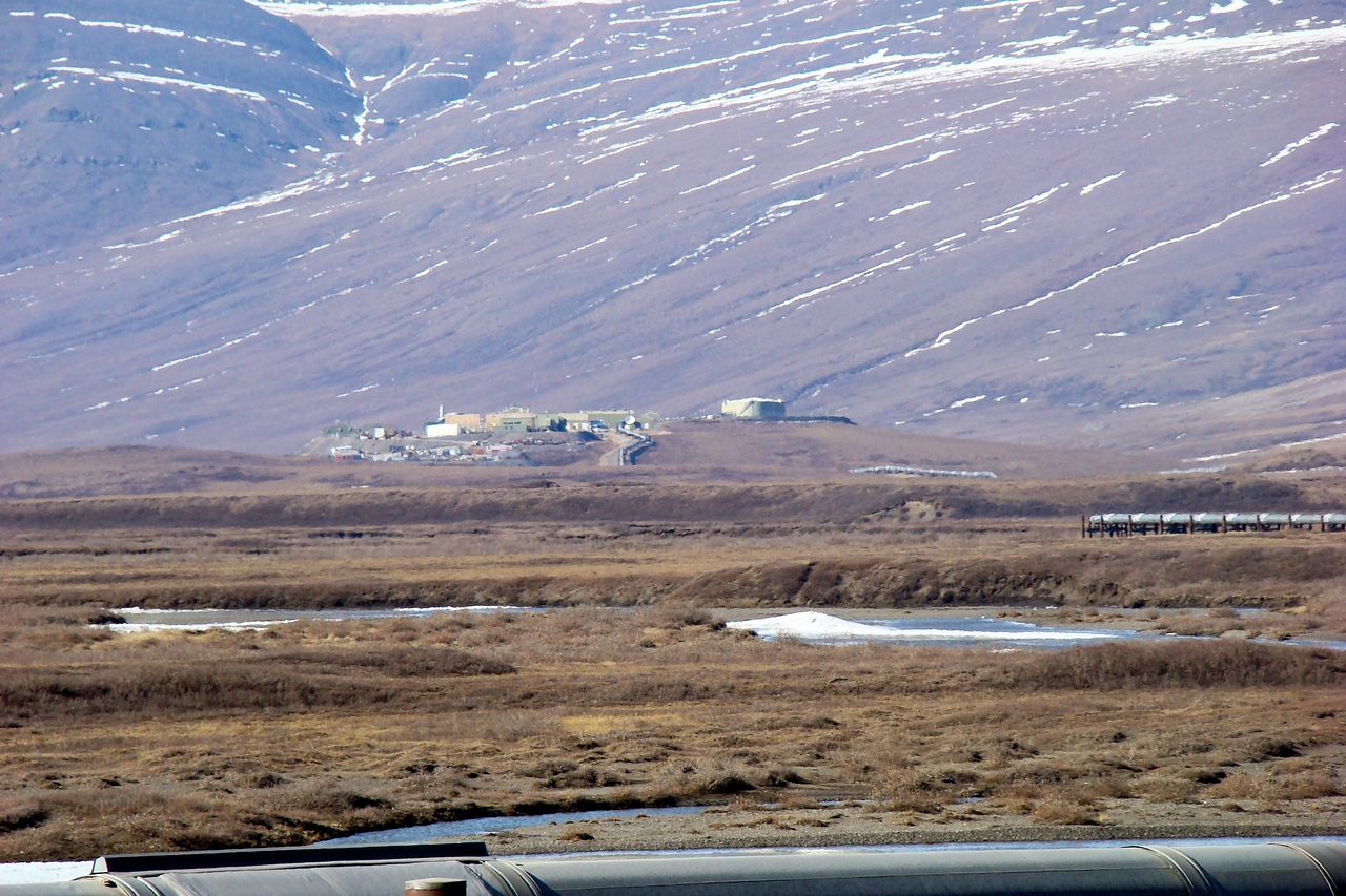 Once more, from Mile 264.5, this telephoto shot of Pump Station 4, which is located just south of Milepost 270.