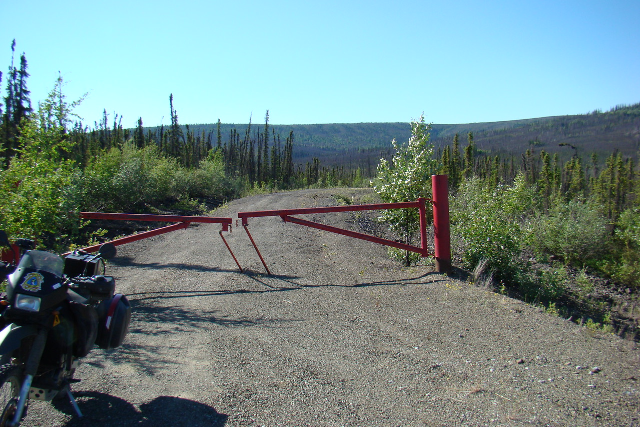7/4/08 10:12 AM - At the north end of the Road Less Traveled, this unlocked gate might serve to discourage the most timid driver, but serves only as an enticement for dualsport riders.