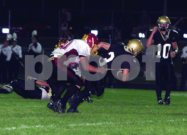 Chronicle photo HOLLY LUNDH<br /> Sycamore ball carrier (3)