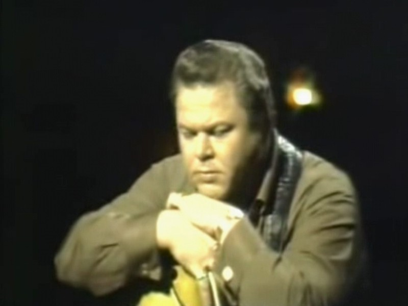 """Roy Clark - 1969 - Performing """"Yesterday, When I Was Young"""" - Favorite Performers Series (3 min 17 sec)"""