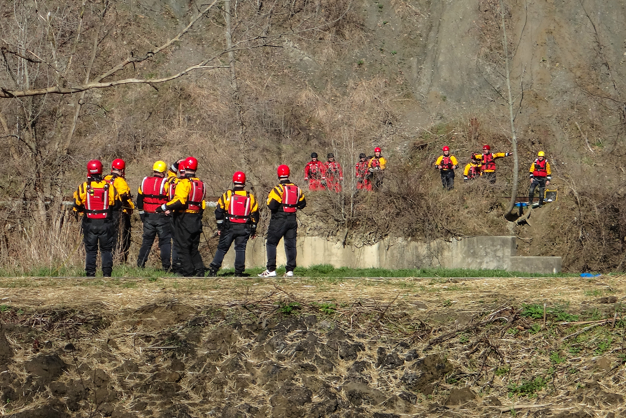 Swift Water Rescue Training on the Cuyahoga, CVNP, Towpath Trail Run, April 2015.
