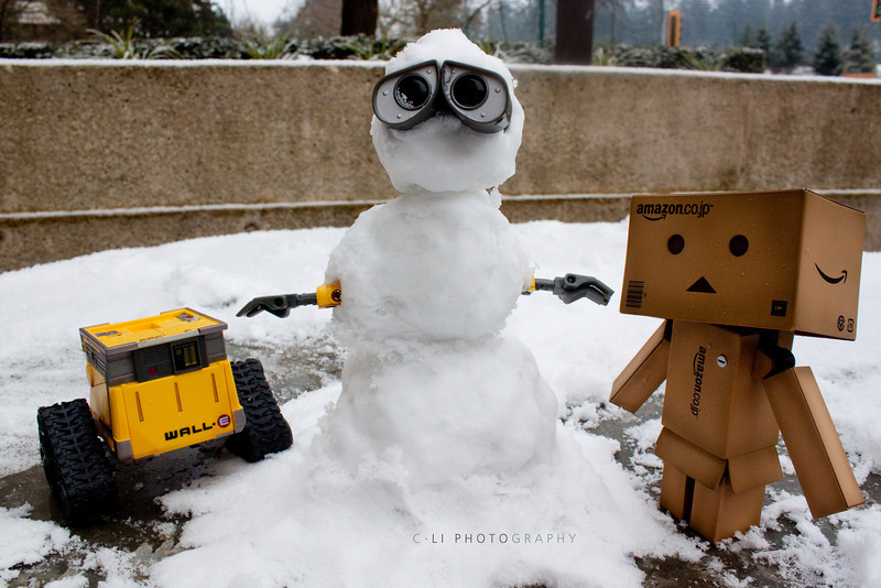 danbo: now it's time for those legs. or uh.. wheels<br /> wall-e: wall-e.......!