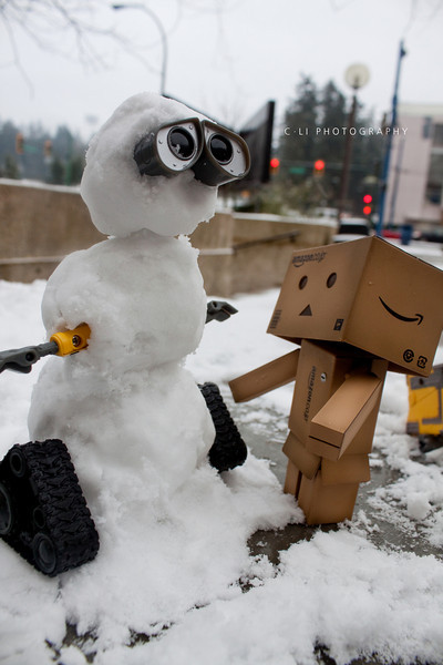 wall-e: wall-e?!?!! (i'm cold!, are we done yet?)