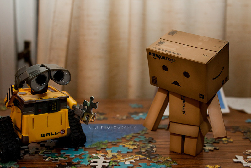 wall-e: walleee?<br /> danbo: this is hard :S