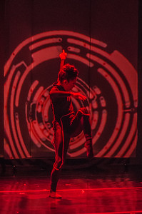 010_140807 Dance Crash Tron Photo by Johnny Nevin-470