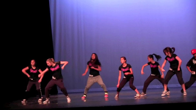 "Kelli doing hip-hop in ""California Love"""