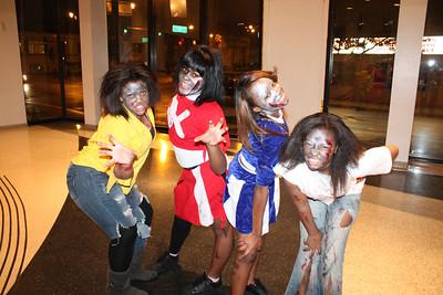 20111030 Zombies -Halloween Thriller Dance Down 004