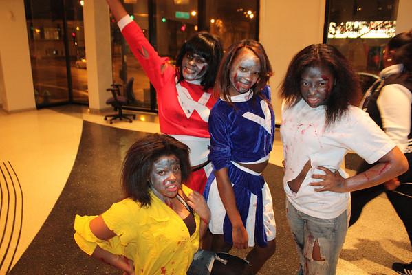 20111030 Halloween Thriller Dance Down