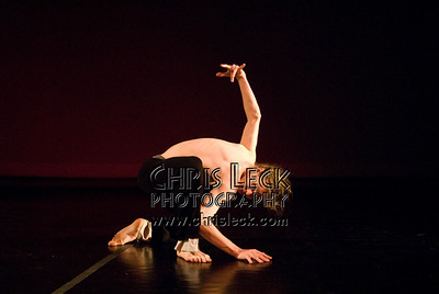 'Face of Torture' (excerpt from 'The Fall '01') performed by Nick Cavanaugh (rehearsal image). Choreography: Luis Arreguin