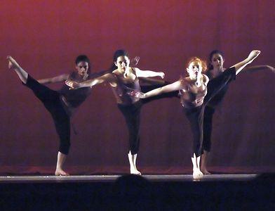 Crossing Over L to r: Erica, Orian, Corinna, Megan