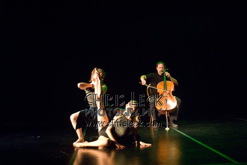 'Suite No. 6'performed by Agnieszka Laska Dancers and Justin Kagan (cello). Music by J.S. Bach, choreography by Agnieszka Laska. Bach to Bloch -- Portland Mini-Fest, International de Danse.
