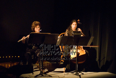'Bird'performed by Luciana Proaño, Dawn Weiss (flute), and Lori Presthus (cello). Music by Heitor Villa Lobos, choreography by Luciana Proaño. Bach to Bloch -- Portland Mini-Fest, International de Danse.