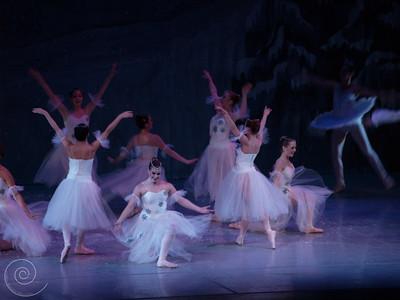 Ballet Wichita, Nutcracker 2007, choreographed by Jill Landrith Ewonus, Snow Scene