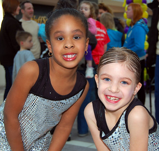 Bounce Around Dance at Great Lakes Mall 3/26/11