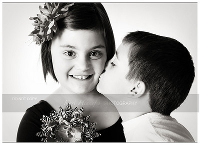 Siblings_7658bw