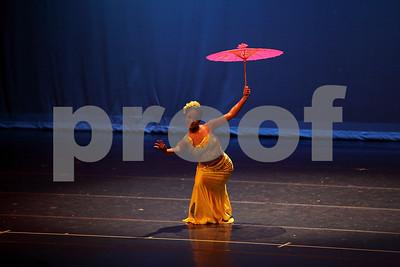 雨中花 Flowers in the Rain  Elizabeth Shih (Bright Pearl Dance Troupe)