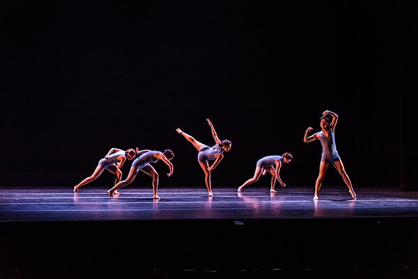 140430_2014 Spring Dance Theater__D4S3938-332